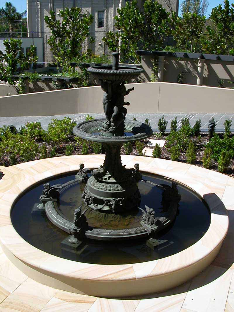 Irish fountain base with Madrid fountain top